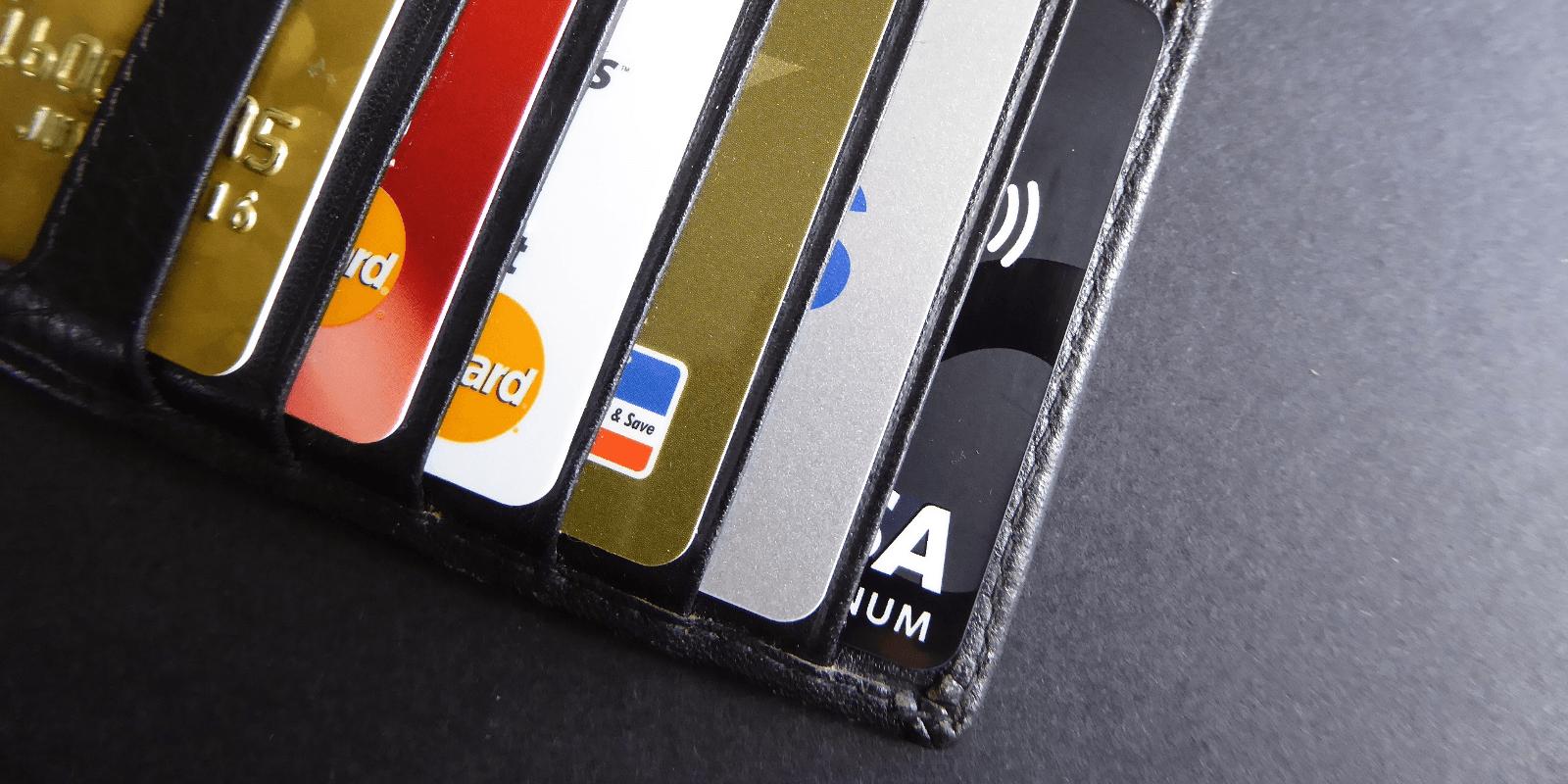 Im Ausland bargeldlos bezahlen: Welche Kreditkarte ist die beste?