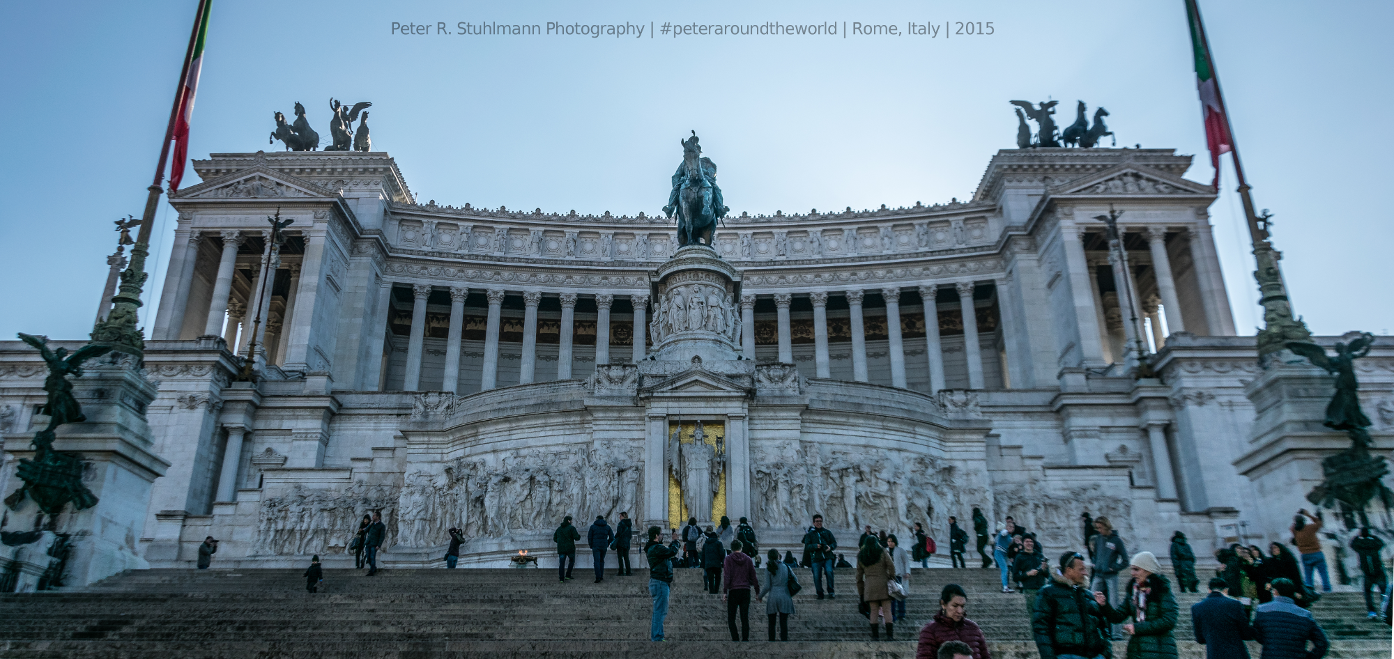 Das Denkmal für Vittorio Emanuele II. Von oben hat man einen tollen Panorama-Blick über Rom.