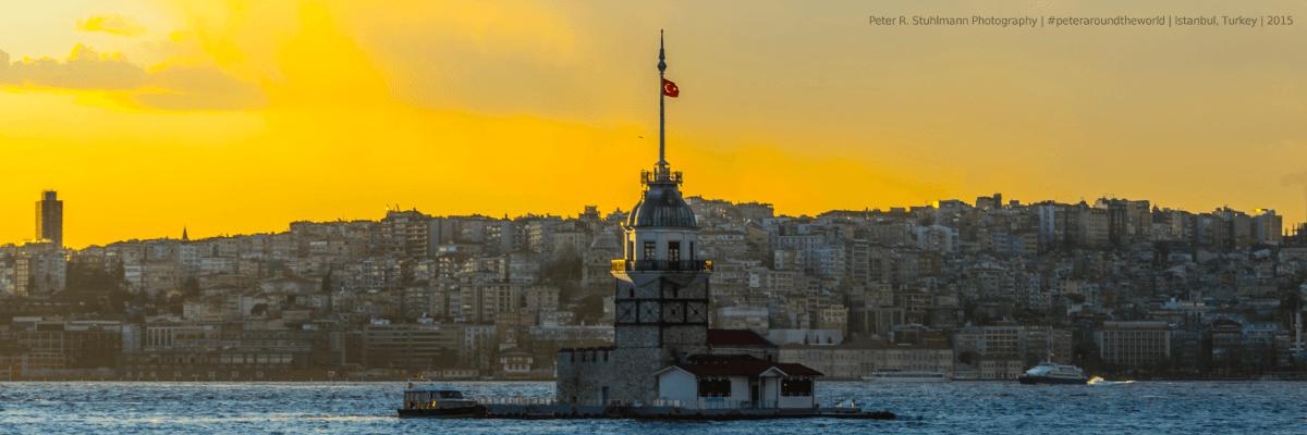 Istanbul Sehenswürdigkeiten: Etwa 180 Meter von der Küste befindet sich im Bosporus der Leanderturm.