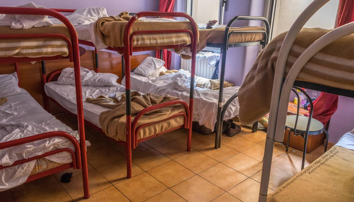 Mailand: Das Hotelzimmer war okay, aber nichts besonderes ... und für den sehr laut schnarchenden Typen im Nachbarbett konnte die Hotelleitung ja nichts.