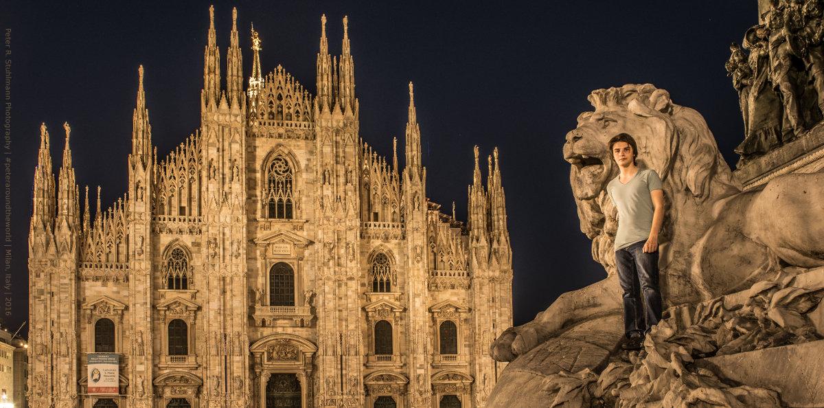 Mailand: Eigentlich ist es verboten auf das Monumento Equestre a Vittorio Emanuele II zu klettern. Nach Einbruch der Dunkelheit hat das aber niemanden mehr interessiert - auch mich nicht.
